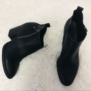 New Universal Thread Black Ankle Booties 9.5
